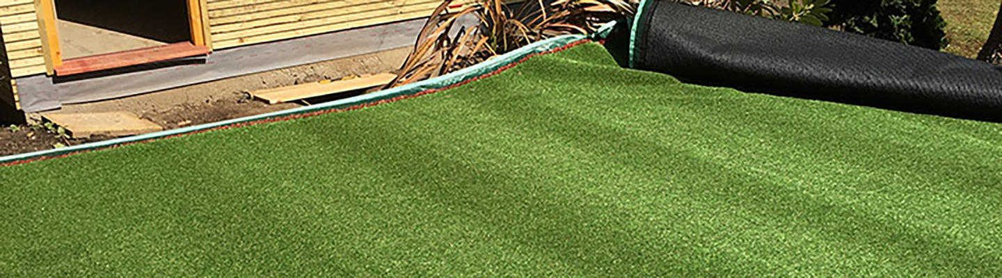 Remove lines or marks in your artificial grass