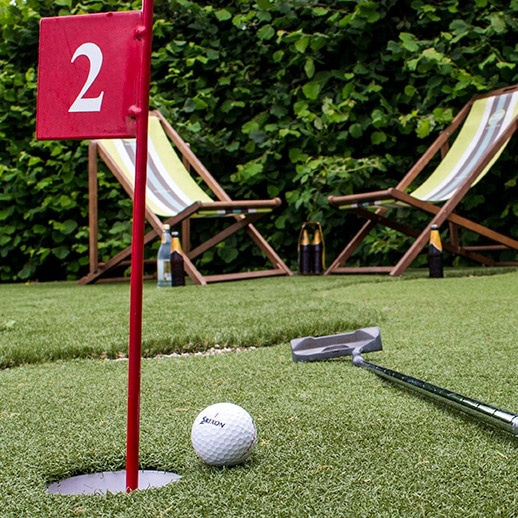 Artificial Putting Green play putt